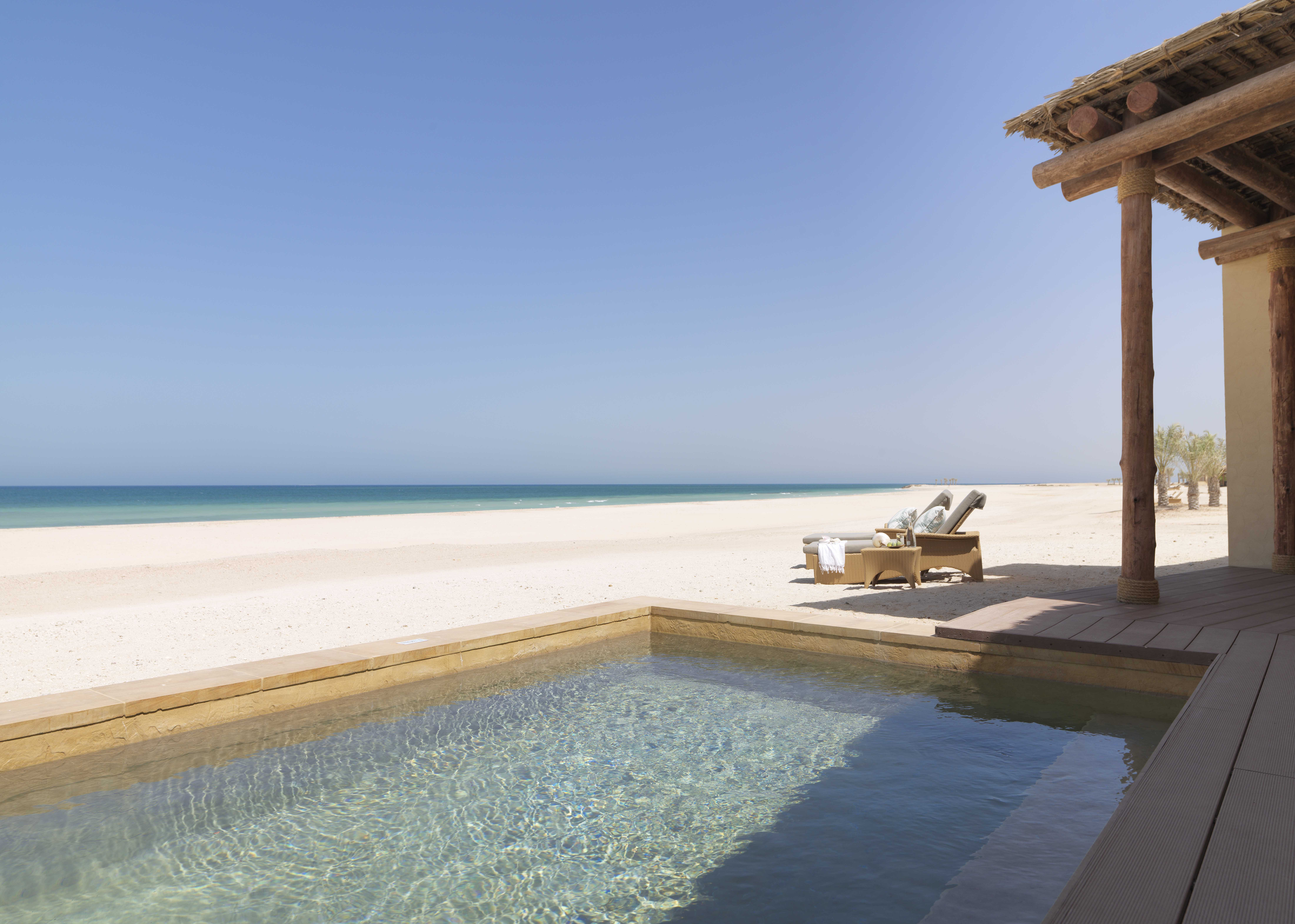Abu Dhabi Holiday villas with Kenwood Travel