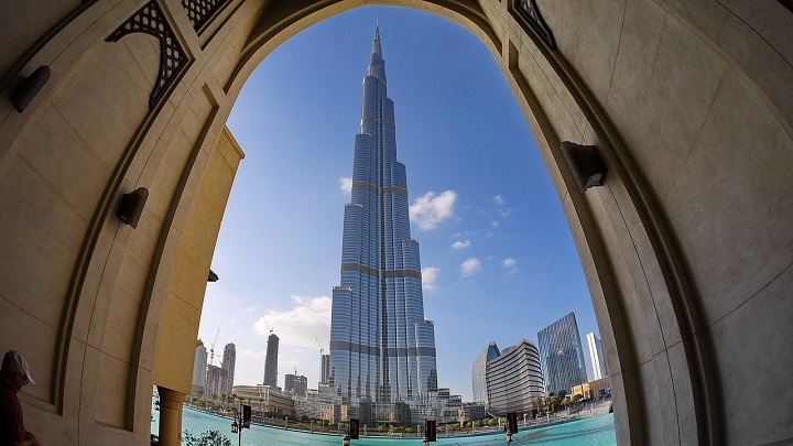 Visit the Burj Khalifa on your Dubai holiday