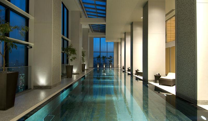 Conrad Tokyo hotel pool