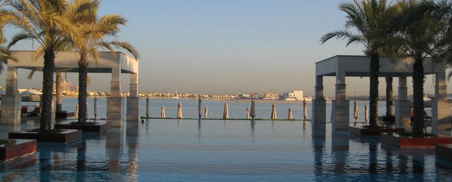 Dubai Blog Infinity pool
