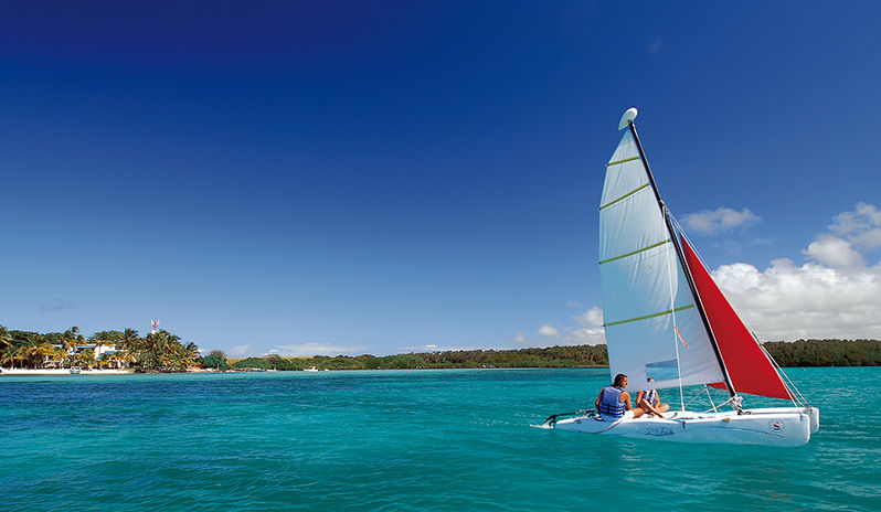 Dive into a superb array of watersports at Shandrani Resort
