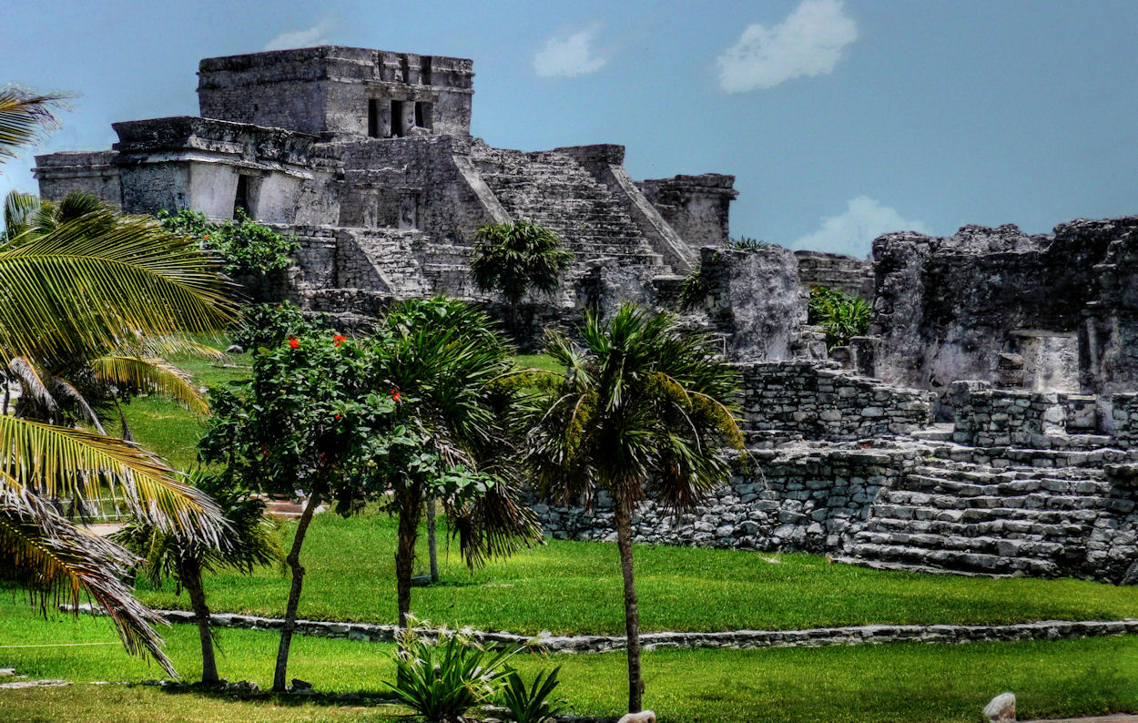 All Caribbean Holidays should include a visit Tulum's Mayan pyramids