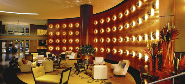 5 most luxurious art deco hotels in south beach miami