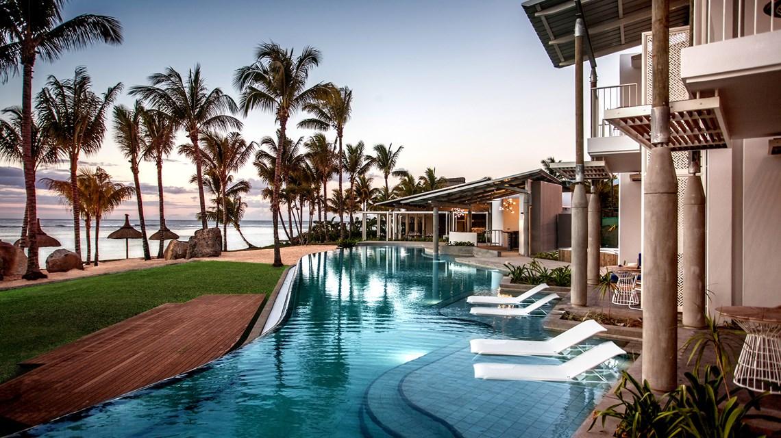 The World\'s Best Hotel Rooms: Top 5 Swim-up Suites - Kenwood ...