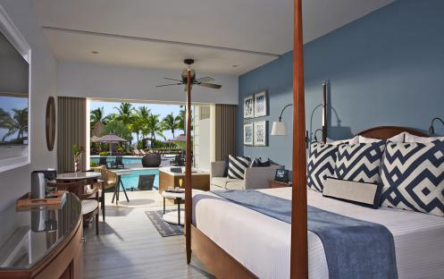 Preferred Club Junior Suite Ocean View Swim Out