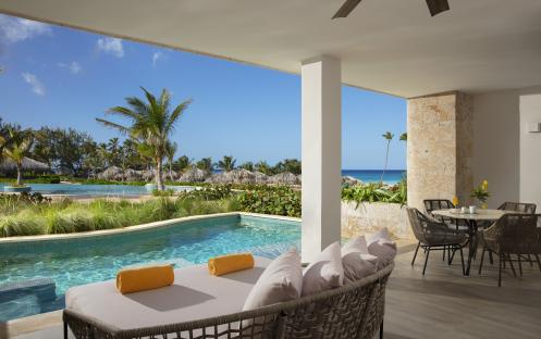 Preferred Club Master Suite Swim-Out Ocean Front - Adults Only
